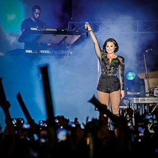 Smart × Demi Lovato